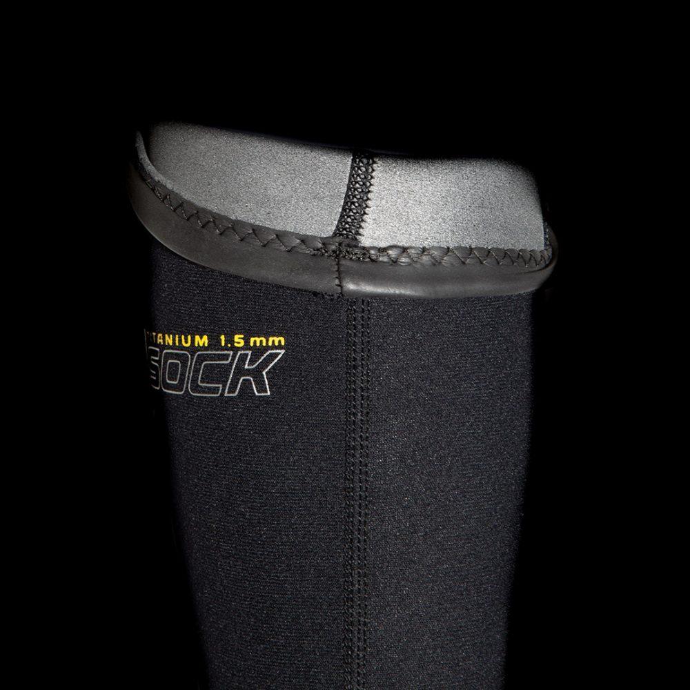 Chaussette néoprène Titanium Nubb ultra fine et chaude pour la pratique du canoë-kayak, de la voile ou du Stand Up Paddle Board. Vue détail intérieur